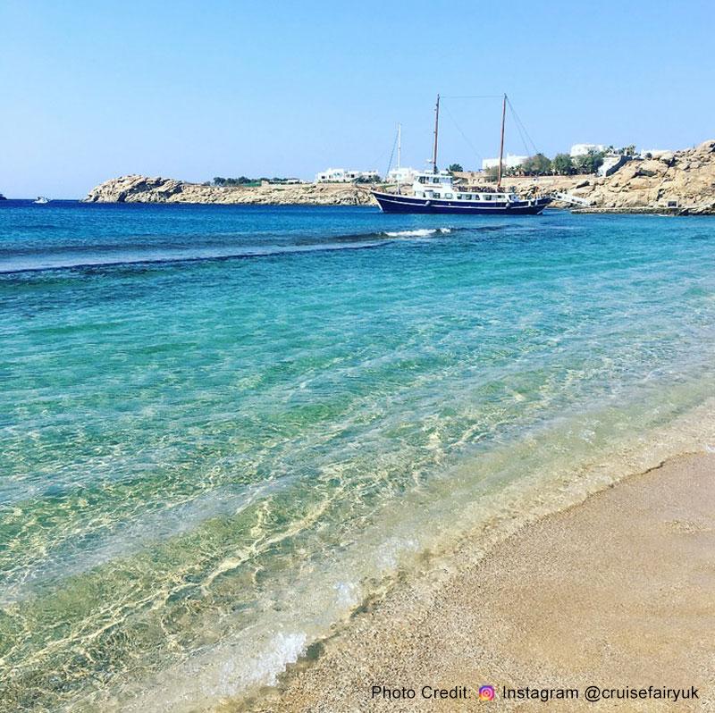Paradise Beach Mykonos Island The Buzzing Atmosphere Beach